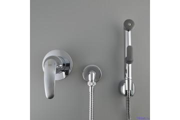 Гигиенический душ для унитаза: как выбрать и установить сантехнику